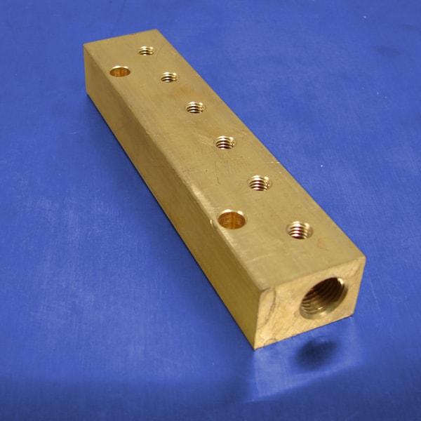 Station npt f input brass manifold pneumadyne