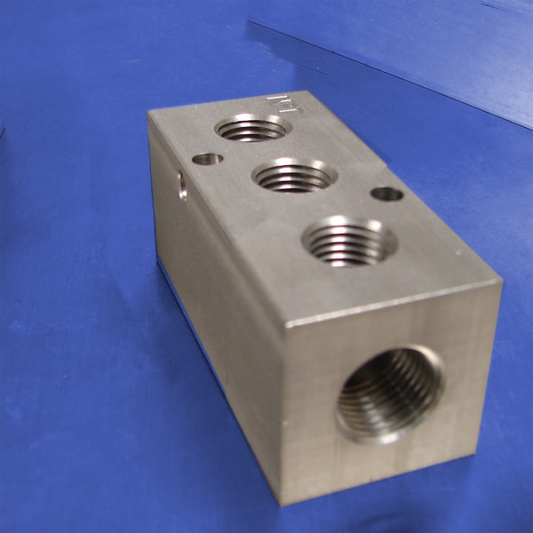 3-Station Stainless Steel Pneumatic Manifolds