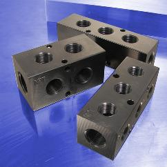 "Pneumatic Manifolds with 90° Output Ports & 1.5"" Spacing"