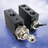 Momentary Toggle (1/8 NPT (F), 4-Way Valves)