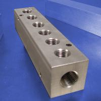 6-Station, 1/4 NPT (F) Input, Stainless Steel Manifold
